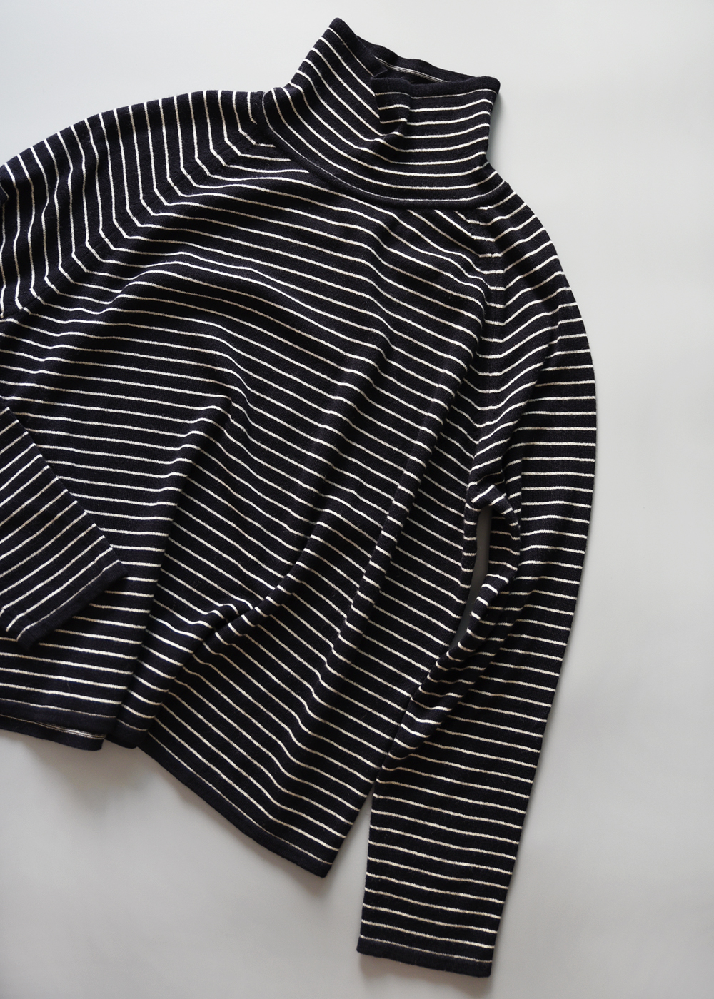 STRIPE TURTLENECK (WOOL)