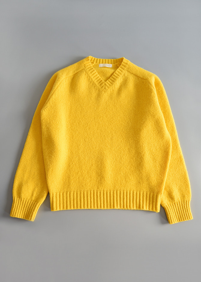 V-NECK SWEATER (2 color)