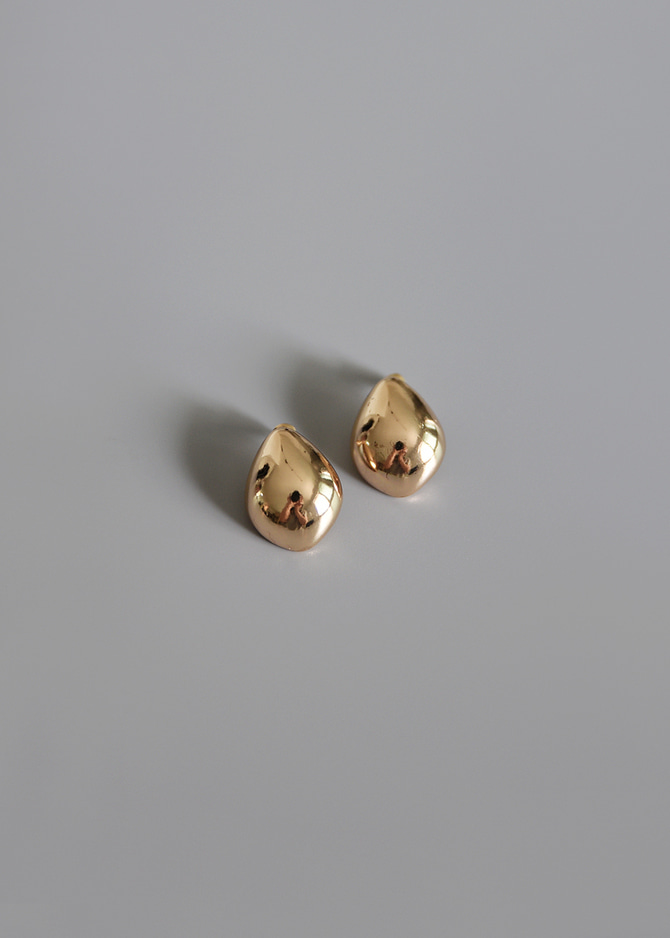 [Common Muse] Lunis Dome Earrings