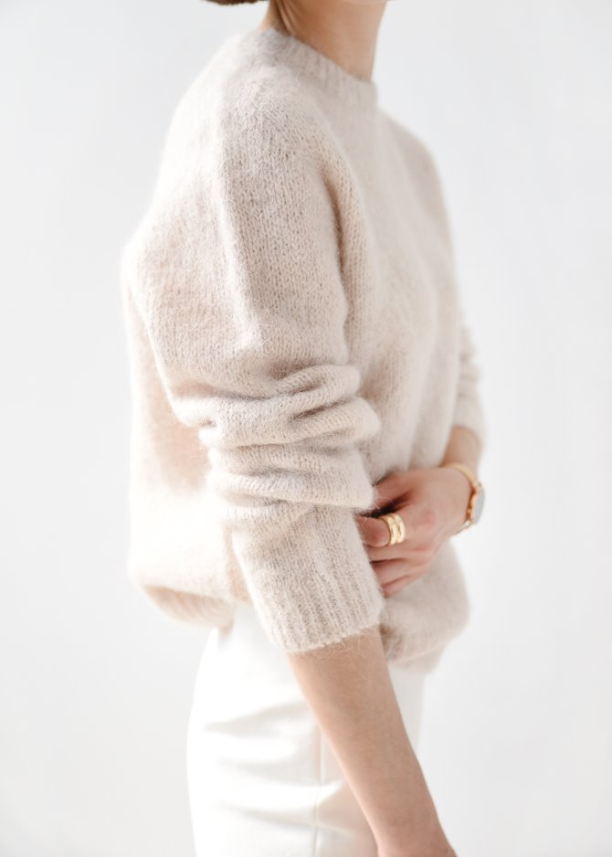 [Romanticize] Basic Pullover (Ivory)