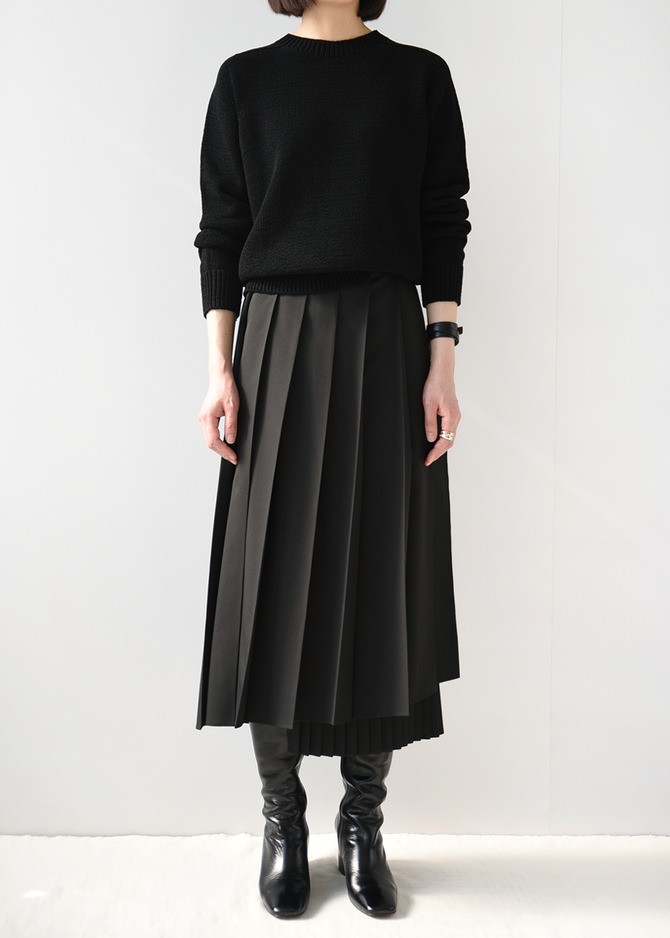 Pleats Wrap skirt